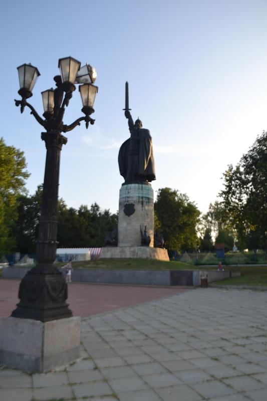 Эконом памятник Пламя Суздаль Памятник Роза из двух видов гранита Сарапул